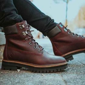 The Best Work Boots for Flat Feet Reviews In 2020