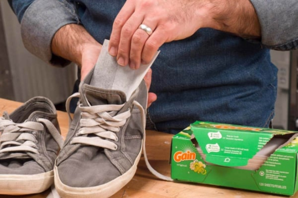 How to stop shoes from squeaking 8