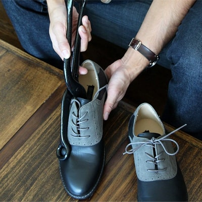 How to Stretch Shoes 7