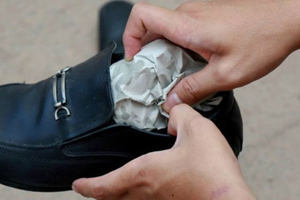 How to Stretch Shoes 6