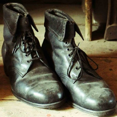 3 ultimate methods for how to clean mold off leather shoes