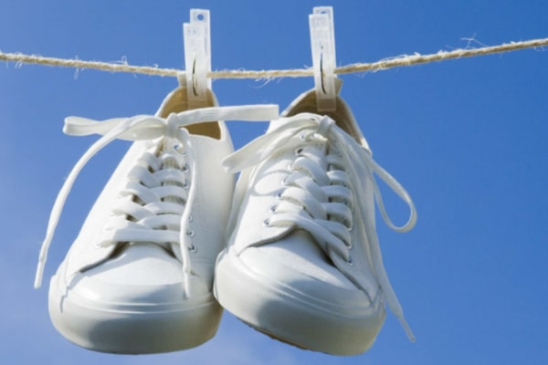 6 simple hacks on how to dry shoes fast after washing them - Pros and Cons 1