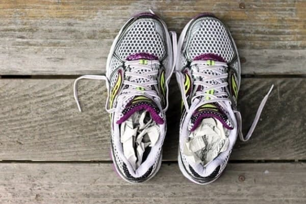 6 simple hacks on how to dry shoes fast after washing them - Pros and Cons 6