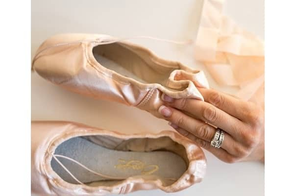 How To Sew Pointe Shoes At Ease 4