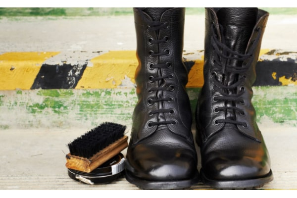 How To Shine Boots - The Easiest Methods You Can Try At Home 1