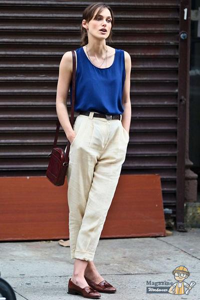 Linen pants and tank top are always the minimalist choice of actress Keira Knightley