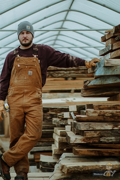 What's the difference between bibs and overalls?